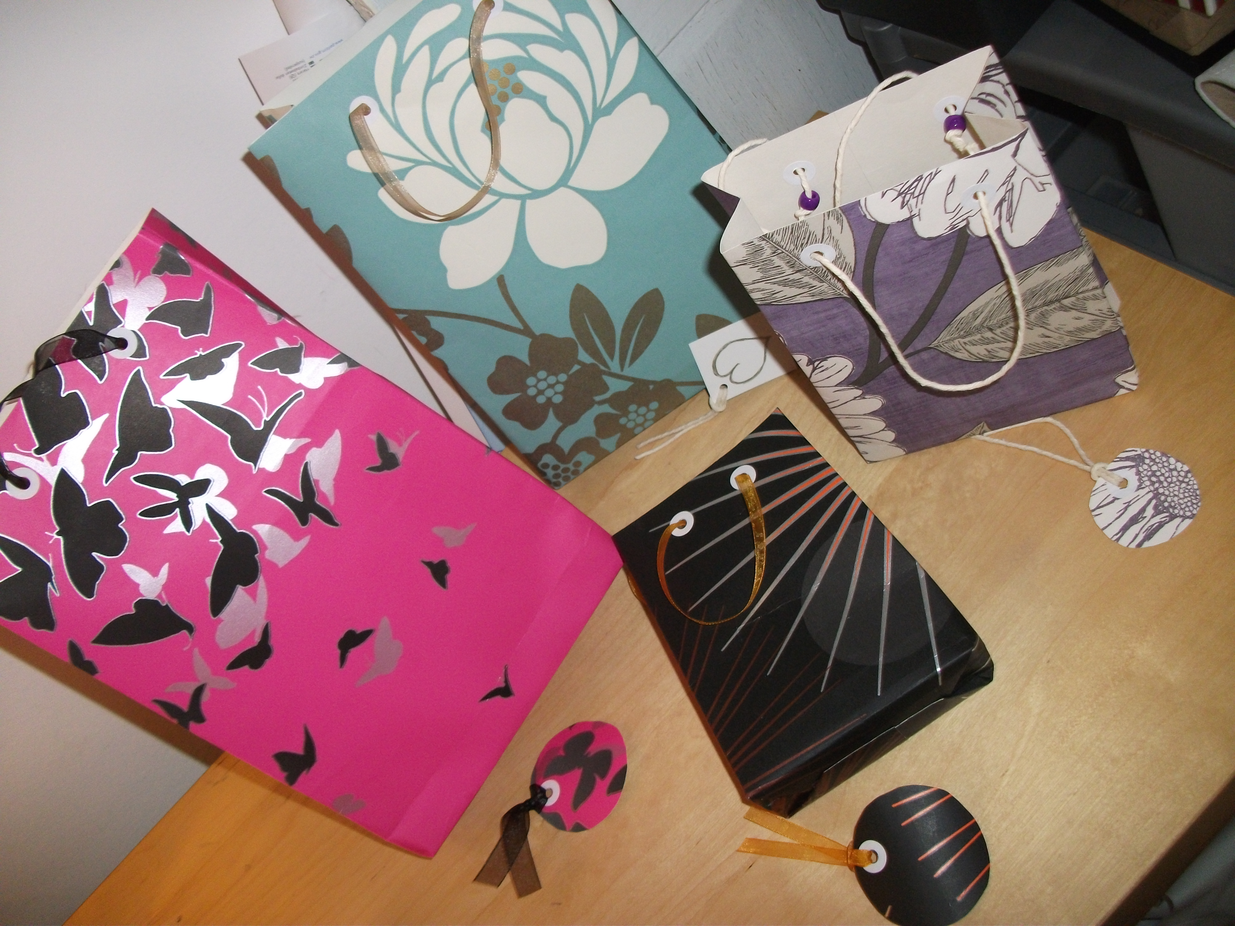 Voila Wedding Gift Bags : Recycled Paper Gift Bags Dinky Thinks
