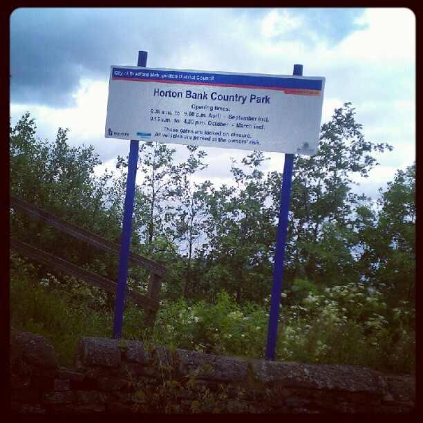 horton bank country park sign